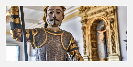 Museu da Misericórdia - Imagem na horizontal mostra um pedaço do rosto e tronco da representação de São Jorge sem o dragão