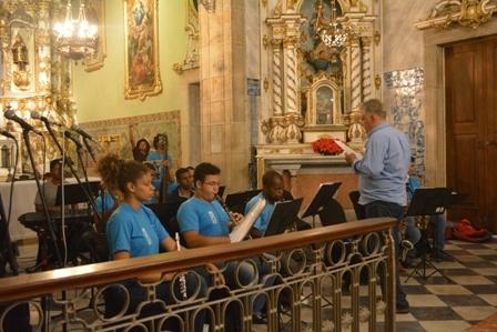 Ensaios abertos da Orquestra São Salvador com Maestro Fred Dantas foram realizados na Igreja da Misericórdia